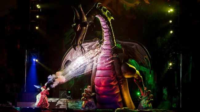 Review: Fantasmic Returns to Disneyland