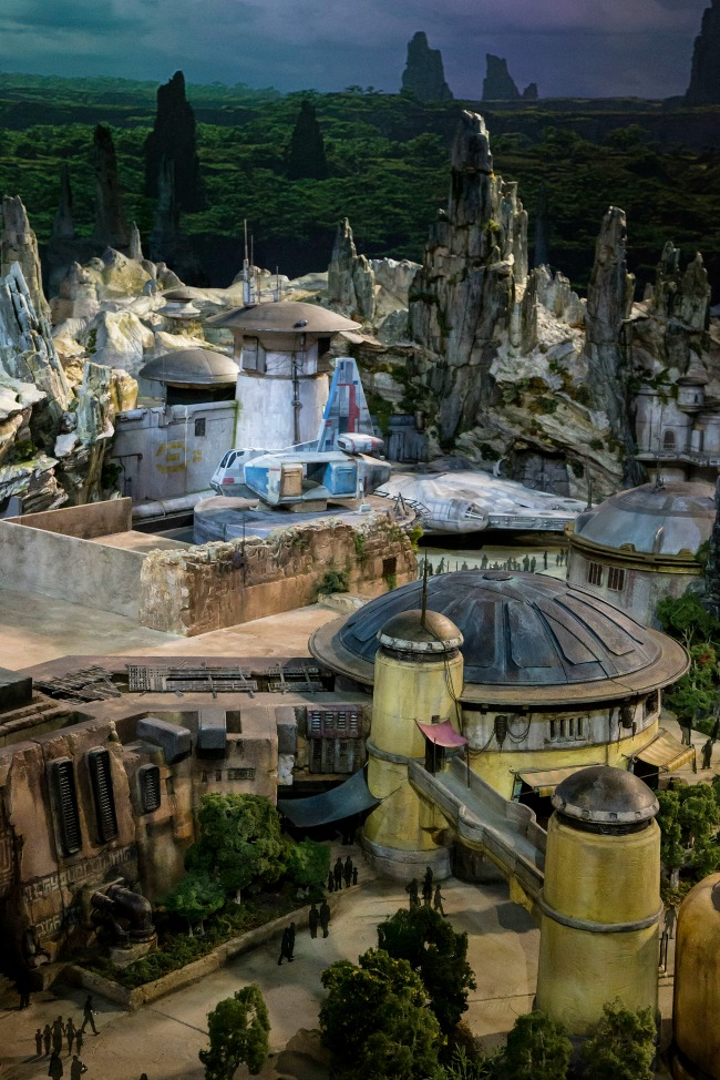 Walt Disney Parks and Resorts Chairman Bob Chapek Reveals Epic, Detailed Model of Star Wars-Themed Lands