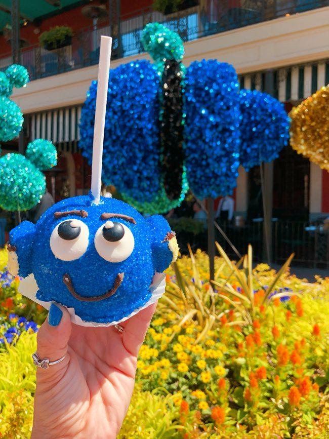 Pixar Caramel Apples. Various Locations, Disneyland Resort | Top 15 Disneyland Pixar Fest Foods #Disneyland #PixarFest